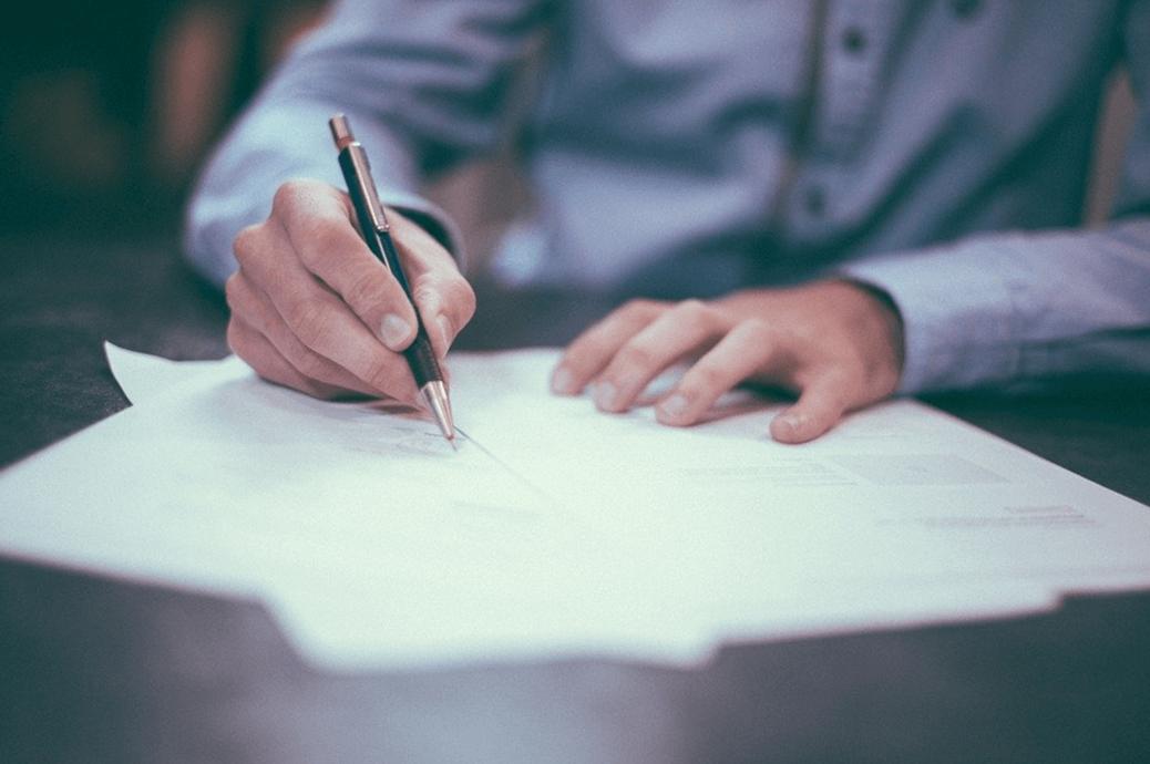 Cesja umowy deweloperskiej: kompendium wiedzy